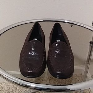 NEW Vintage Anne Klein Brown Leather Flat Loafers